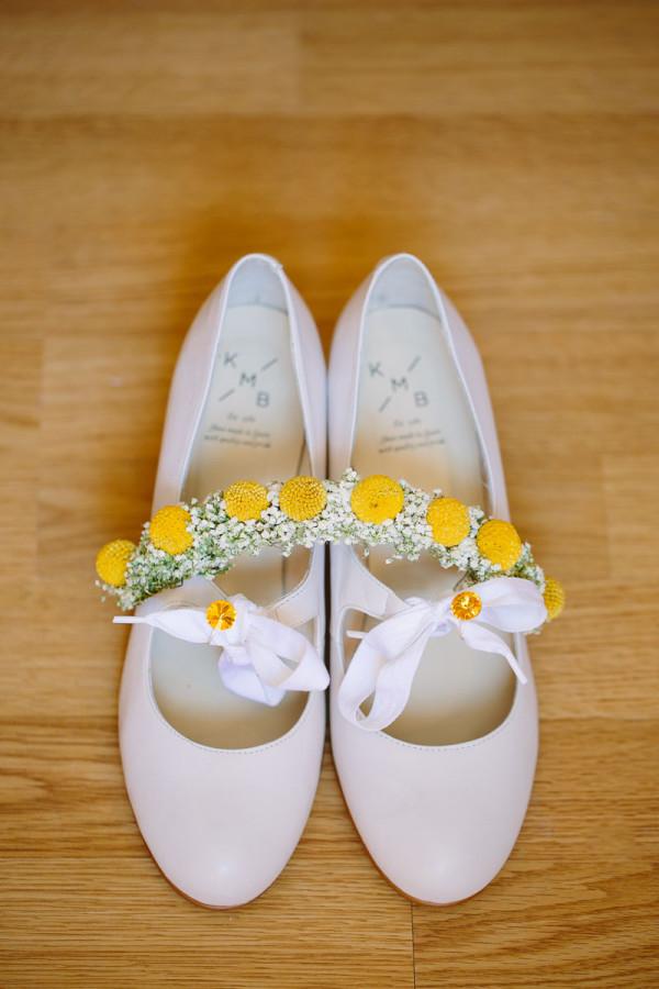 Brautschuhe mit Trommelschläger Blumen