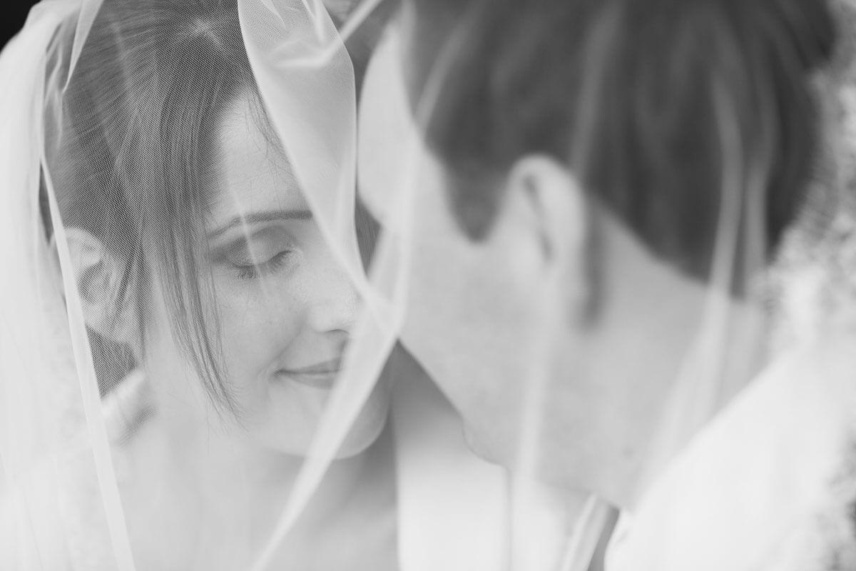 Braut mit Schleiher